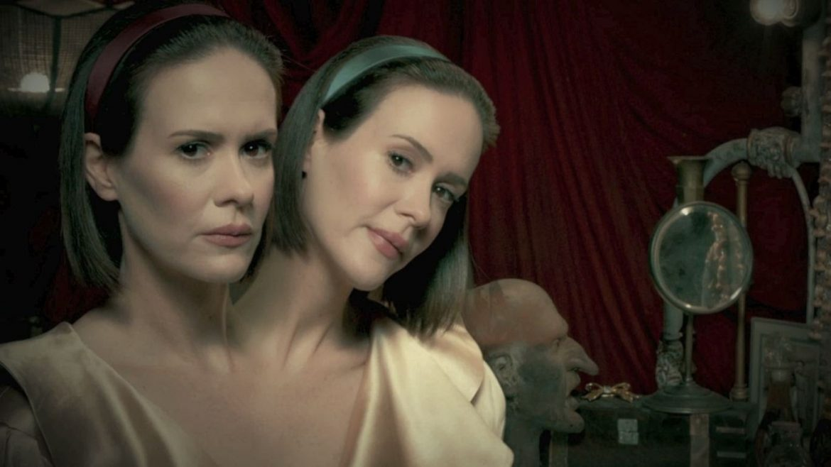 Come one, come all, 'American Horror Story: Freak Show' shocks and delights