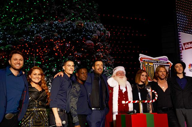 Santa Claus and the Voice contestants and host Carson Daly celebrate the lighting of Universal Studio's City Walk Christmas Tree lighting. Photo Credit: Vincent Gnuyen/Sundial Staff