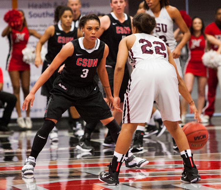 Guard, Janae Sharpe, ended the night with 15 points against TSU on Nov. 29. Photo Credit: Kelly Rosales/Contributor