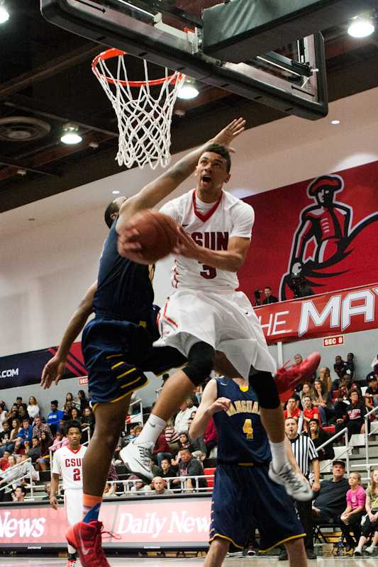 Senior+forward+Stephan+Hicks+goes+for+a+lay-up+in+CSUN%27s+70-58+win+over+Vanguard.