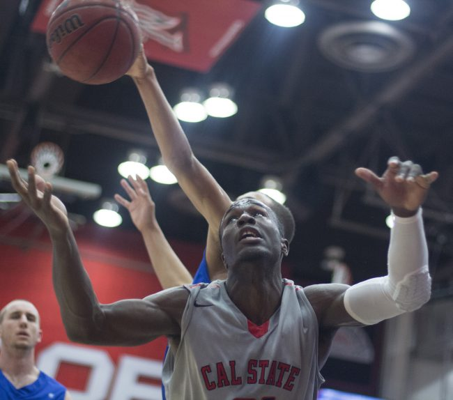 Men's Basketball: Elliott, Drew shine in 74-63 win against UCSB