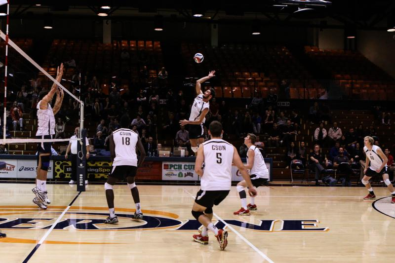 Kyle+Stevenson%2C+outside+hitter%2C+against+Pepperdine+Waves.+Photo+Credit%3A+Kelly+Rosales%2FContributor