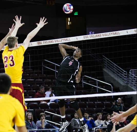 Men's Volleyball: Hawai'i dominates on-the-road CSUN