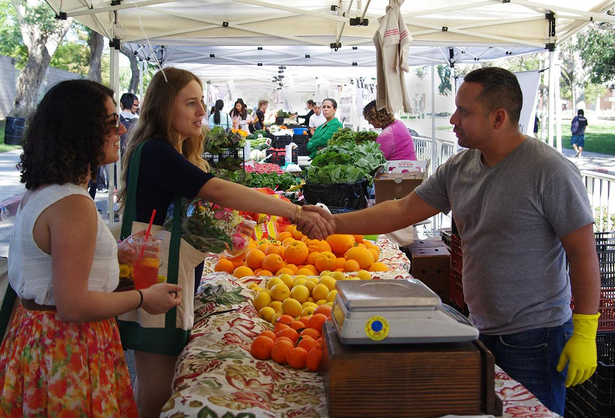 Farmer's market bringing fresh produce to campus