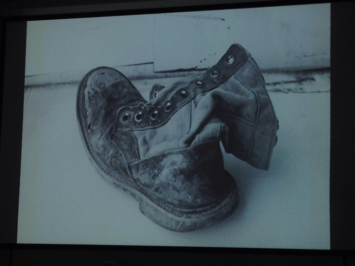 Walter+Iraheta+showed+viewers+some+photographs+from+his+collection+called+%22Cemetery+of+Shoes%22+during+his+presentation+at+CSUN+on+March+25.+Photo+credit%3A+Betsy+Belle+Camacho