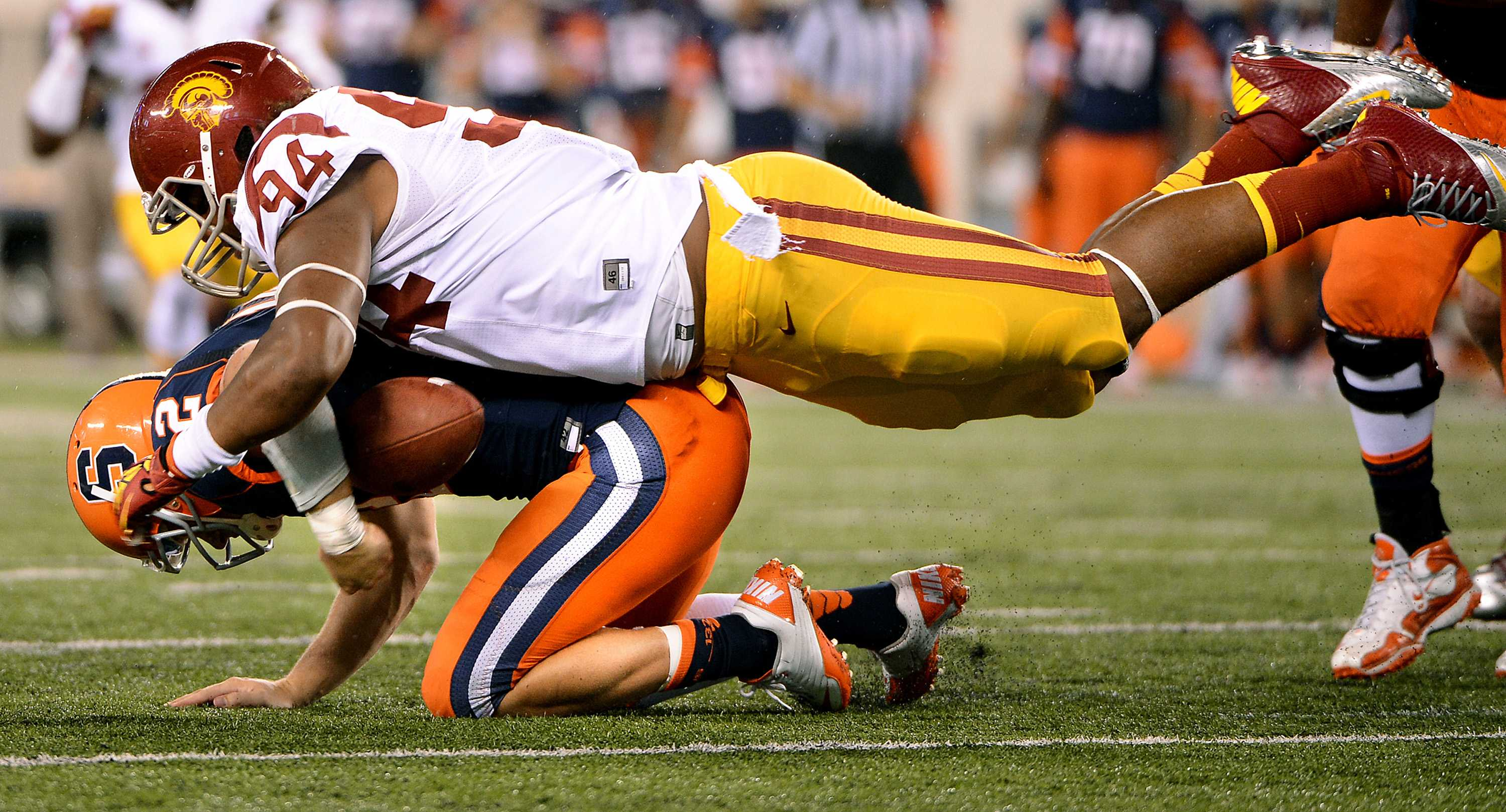 USC's Leonard Williams sacks Syracuse quarterback Ryan Nassib in the fourth quarter in East Rutherford, New Jersey, Saturday, September 8, 2012. USC defeated Syracuse, 42-29. (Wally Skalij/Los Angeles Times/MCT)