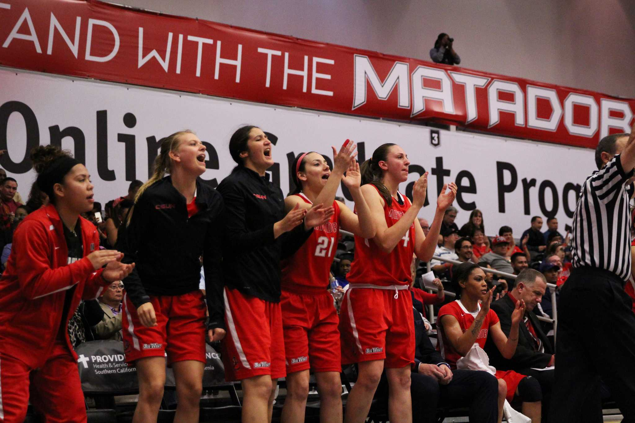 CSUN+women%27s+basketball+welcomes+two+new+players+to+their+team+for+the+new+2015-2016+season.
