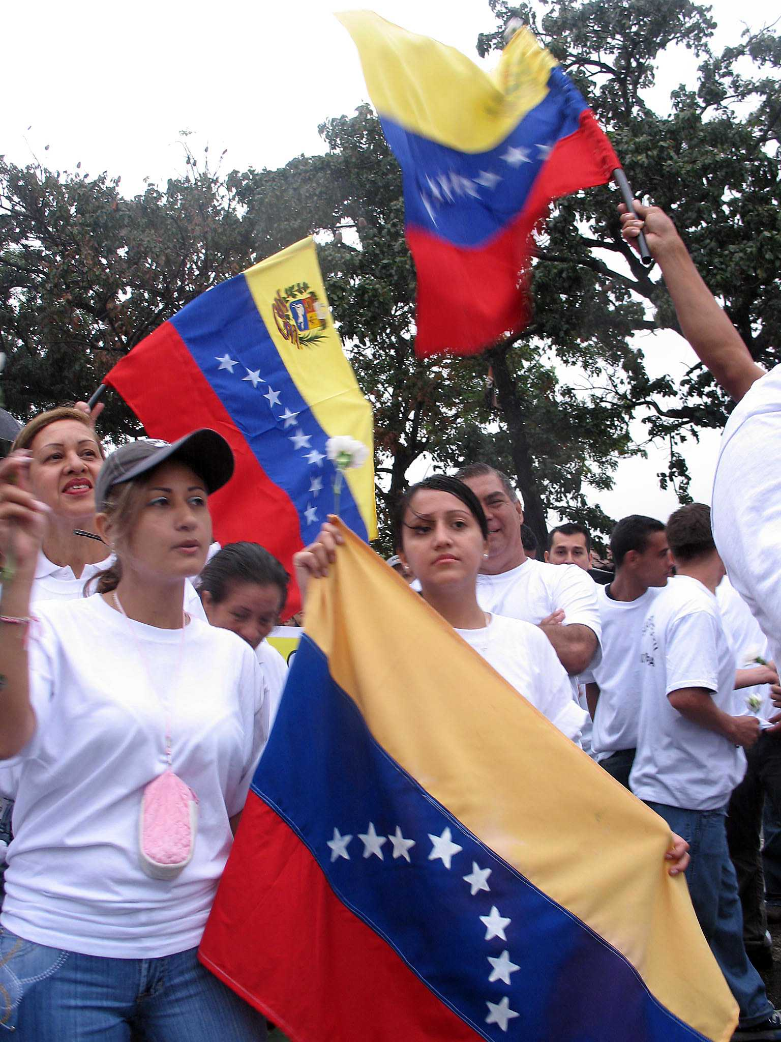 Residents of the Venezuela-Colombia border town San Antonio, Venezuela, rally March 6, 2008, for peace between the two countries. The banner reads
