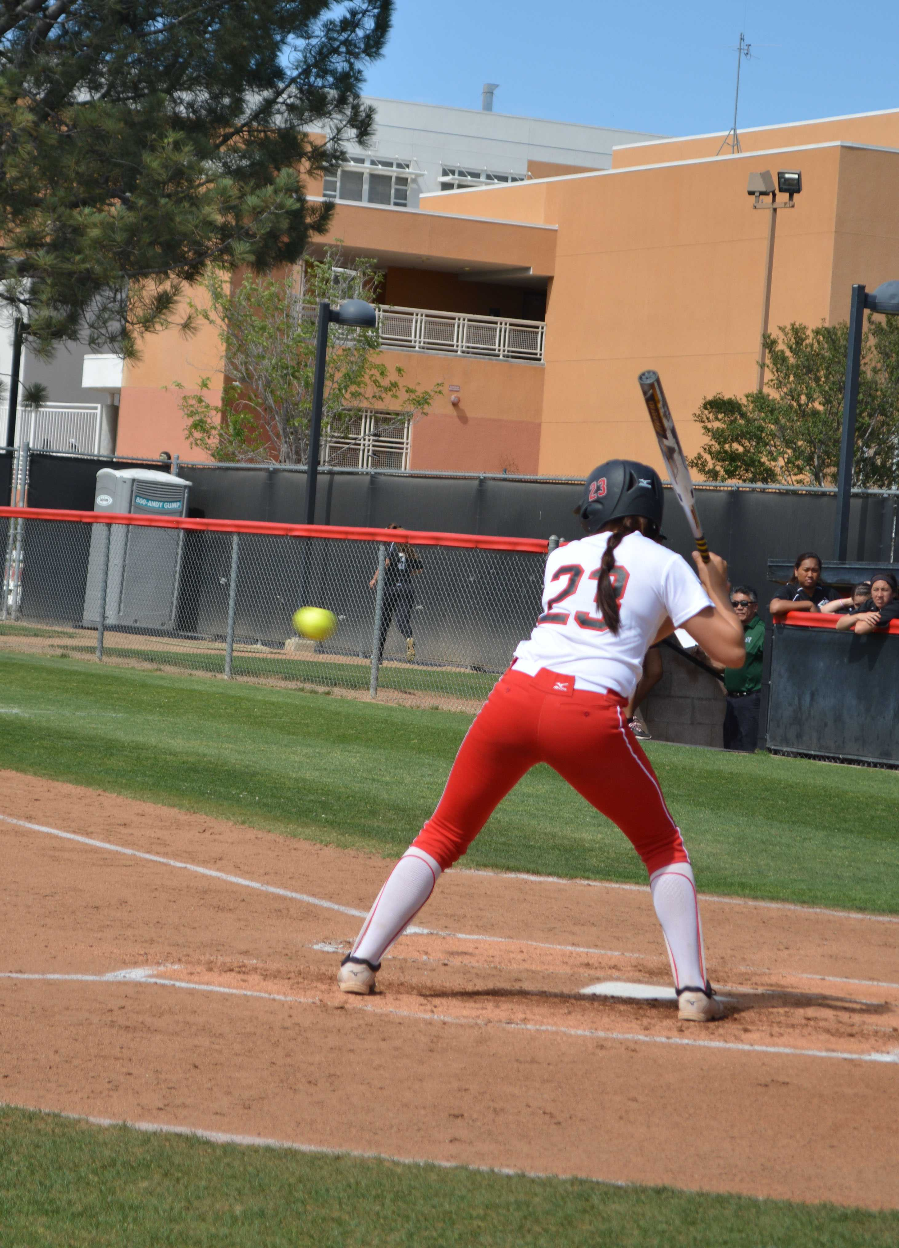 CSUN+Senior+Jordan+Sauceda+prepares+to+swing+at+an+oncoming+ball.+Emily+Pierce%2FContributor