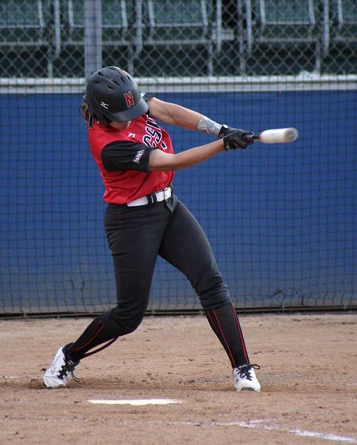 Sophomore+Katie+Hooper+was+one+of+the+few+bright+spots+for+CSUN%2C+as+she+tallied+the+team%27s+only+RBI+on+the+day.+Photo+Credit%3A+Raul+Martinez