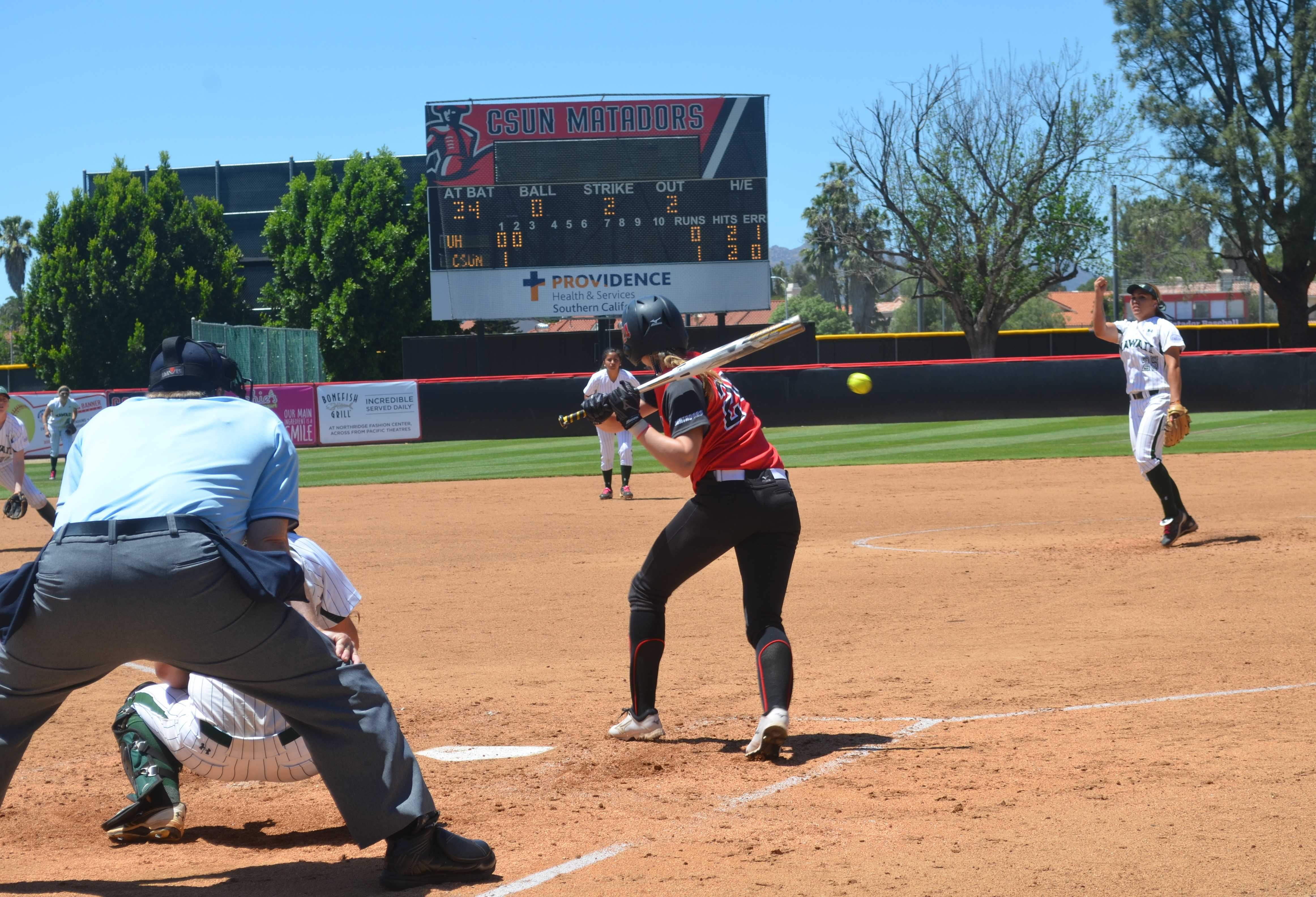 Senior+Kaitlin+Toerner+prepares+to+swing+during+CSUN%27s+2-0+win+over+the+University+of+Hawai%27i+on+Saturday%2C+May+2.+Natahlie+Ramirez%2FContributor