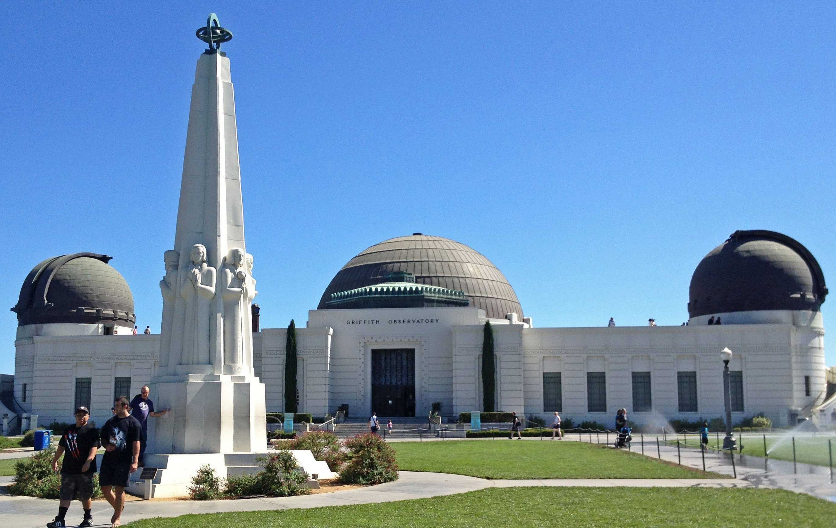 The+Griffith+Observatory+gives+the+public+free+access+to+the+study+of+the+skies.+%28Marjie+Lambert%2FMiami+Herald%2FMCT%29.+Photo+Courtesy+of+MCT.