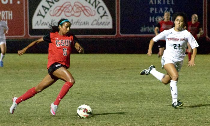 Camille Watson dribbles past the Southern Utah defense in the Matador victory 2-0 at Matador Soccer Field on Friday, Aug. 28. (Michelle Moran/ The Sundial)