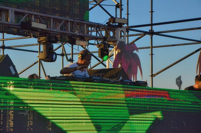 Erick+Morillo+during+his+DJ+set+at+the+Sundown+Music+Festival+in+Huntington+Beach+on+Sept.+19.+Martin+Sarabia%2FContributor