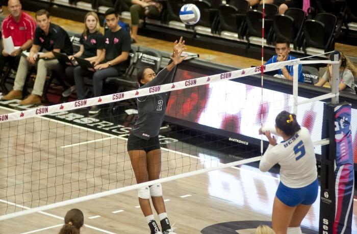 The Matadors could not close out the Highlanders, despite a strong game from senior outside hitter Cieana Stinson, who had 29 kills. Photo credit: David Hawkins