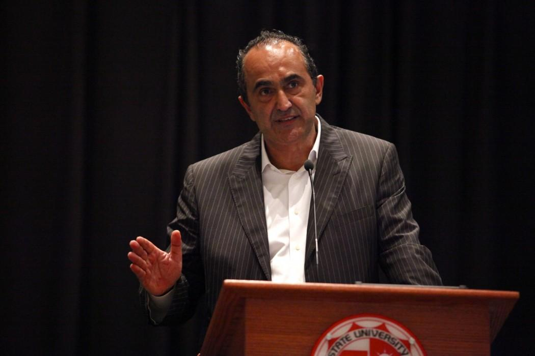 David Nazarian speaks to students at the USU on Monday afternoo