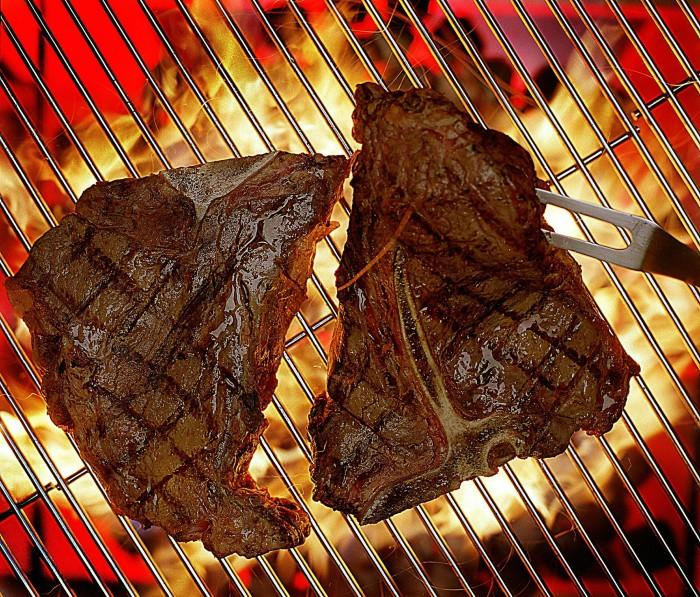 Red meat scare sizzles on social media
