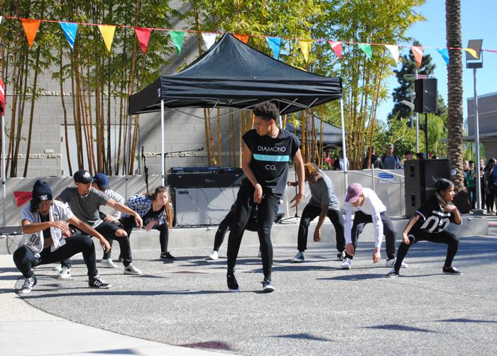 CSUN+dance+crew+Fasmode+performs+for+the+Spring+Kick-Off+event+at+the+University+Student+Union%27s+Plaza+del+Sol.
