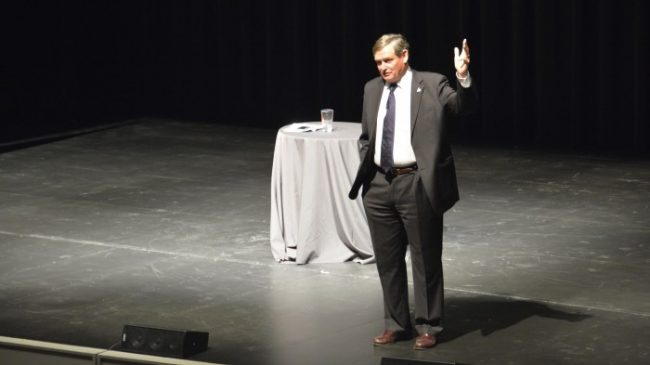 CSU Chancellor Dr. Timothy White during the Open Public Forum at Plaza Del Sol on Jan. 29. (Daisy Perez / The sundial)