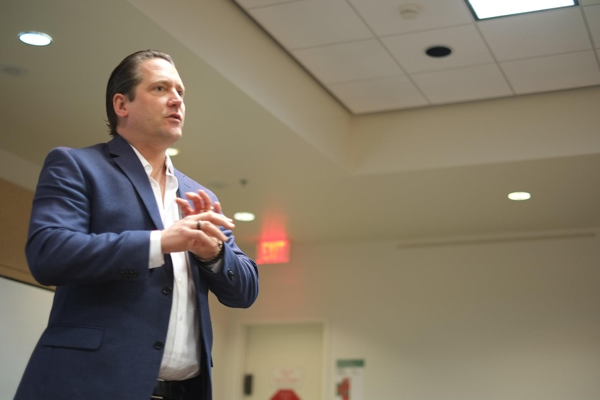 Dr. Josh Sides spoke to 75 students about various social and economical issues on Tuesday, Feb. 2.  (Ellen Choi / The Sundial)