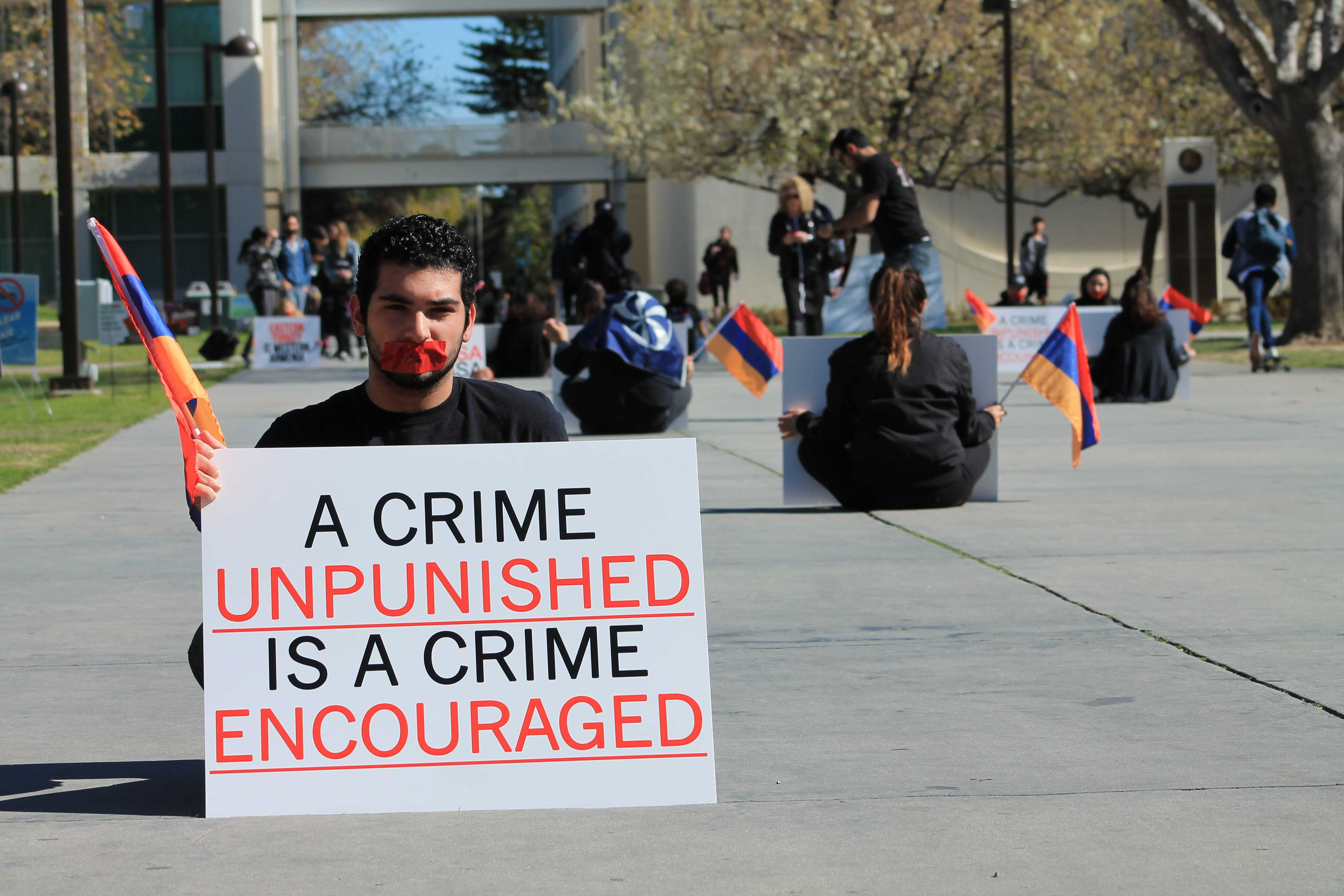 A+student+form+The+Armenian+Student+Association+holds+a+%22Stain+of+Denial%22++demonstration+on+Thursday%2C+Feb.+4%2C+in+order+to+bring+awareness+to+students+about+the+1915+Armenian+Genocide.+%28Ashley+Grant%5C+The+Sundial%29