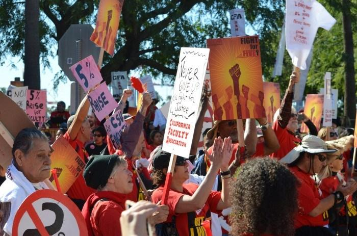 Strike prep stalled as negotiations continue