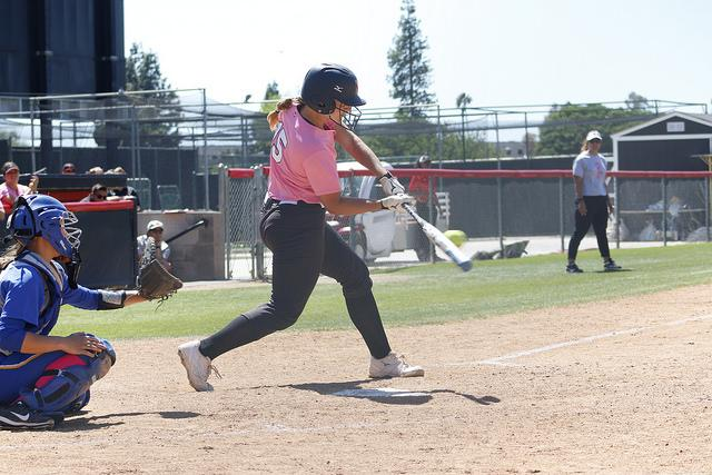Junior+catcher+Karlie+Habitz+gets+a+hit+against+UCSB.+Habitz+finished+the+game+with+one+hit+and+two+RBI%27s.+Photo+credit%3A+Josue+Aguilar