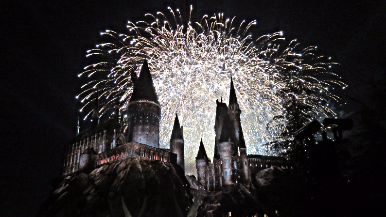 Fireworks+behind+Harry+Potter+castle