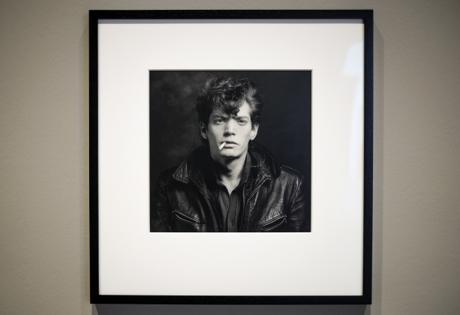 Self portrait by Robert Mapplethorpe at the Robert Mapplethorpe exhibit inside the LACMA. (Ellen Choi /The Sundial)