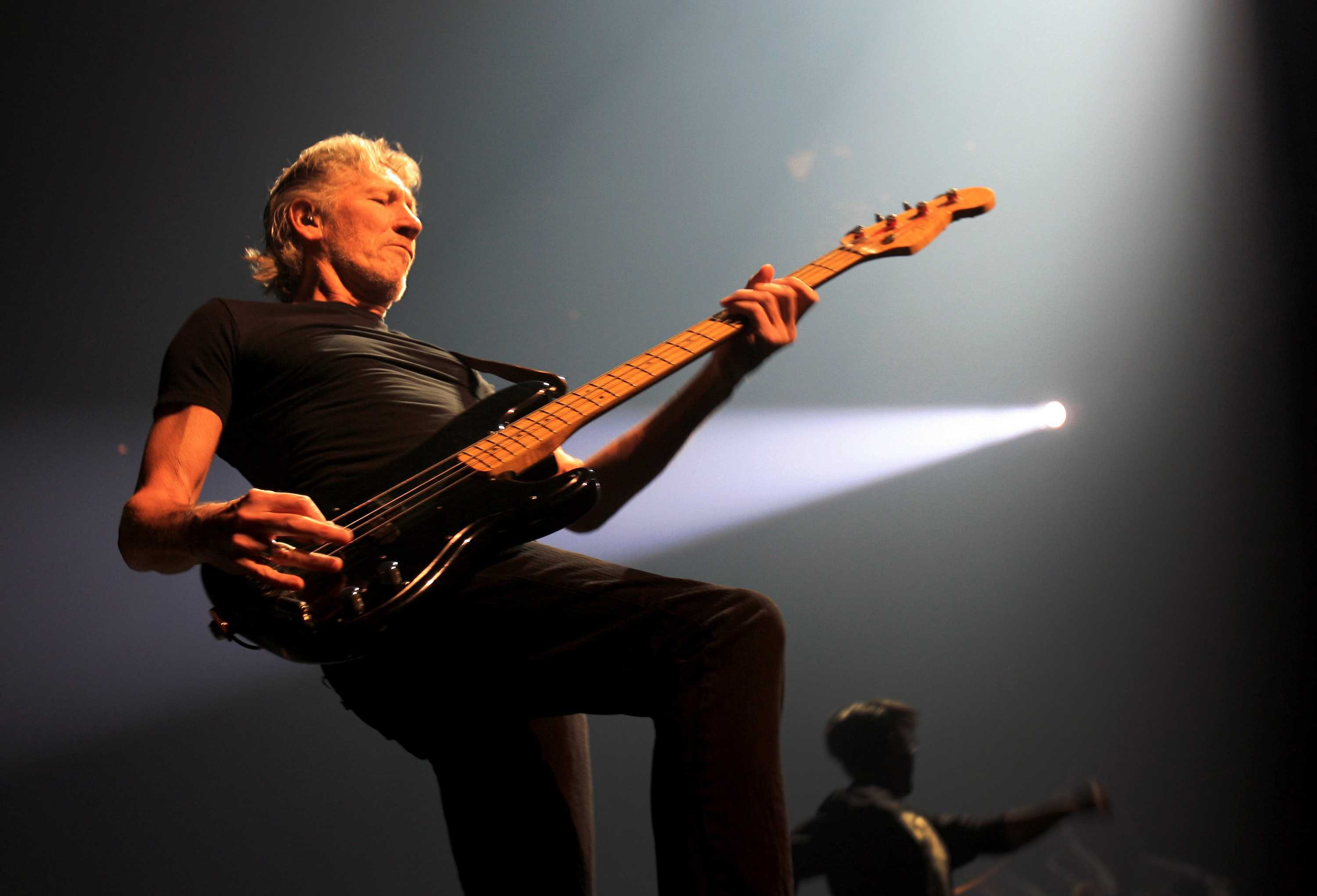 Roger+Waters+performed+Pink+Floyd%27s+classic+%22The+Wall%22+at+the+Palace+of+Auburn+Hills+on+Sunday%2C+October+24%2C+2010%2C+in+Auburn+Hills%2C+Michigan.+%28Kathleen+Galligan%2FDetroit+Free+Press%2FMCT%29
