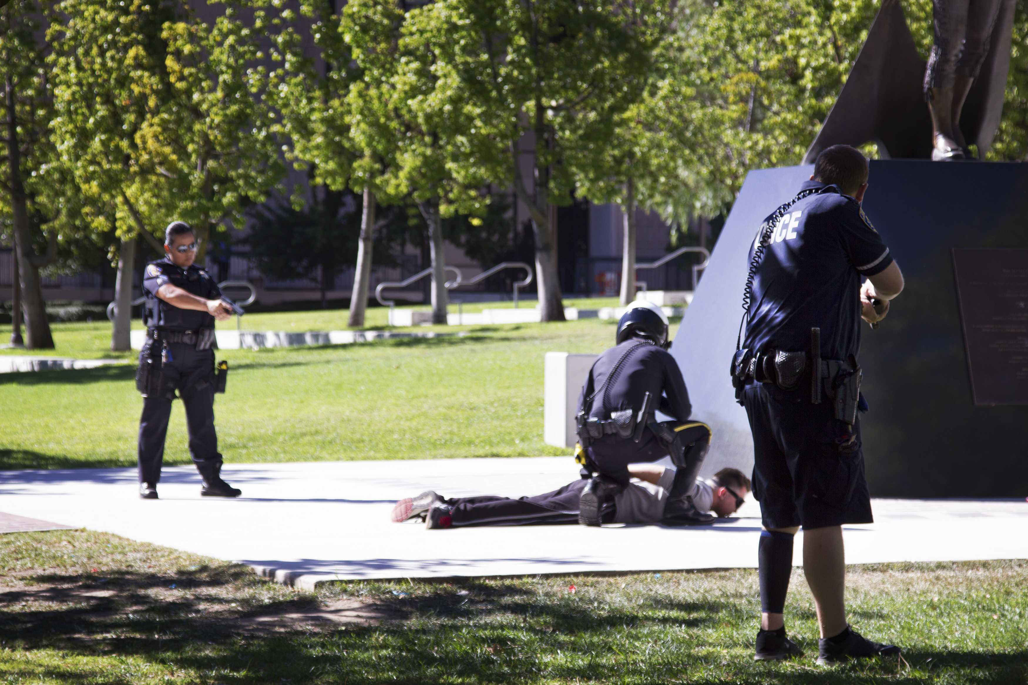police+surround+suspect+on+CSUN+campus