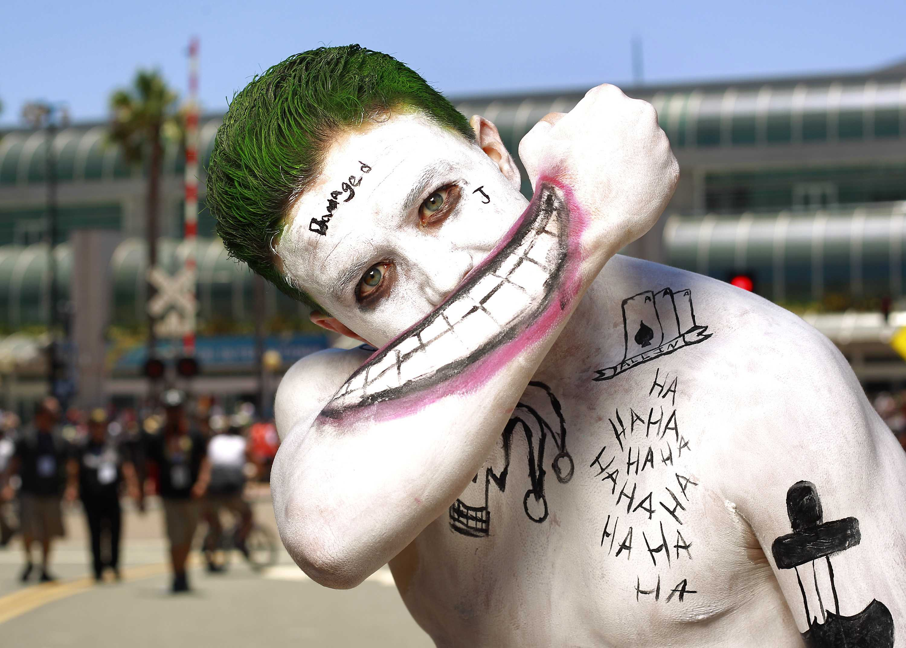 John+Lancaster+is+dressed+as+the+Joker+at+Comic-Con+on+July+21%2C+2016+in+San+Diego%2C+Calif.+%28K.C.+Alfred%2FSan+Diego+Union-Tribune%2FTNS%29