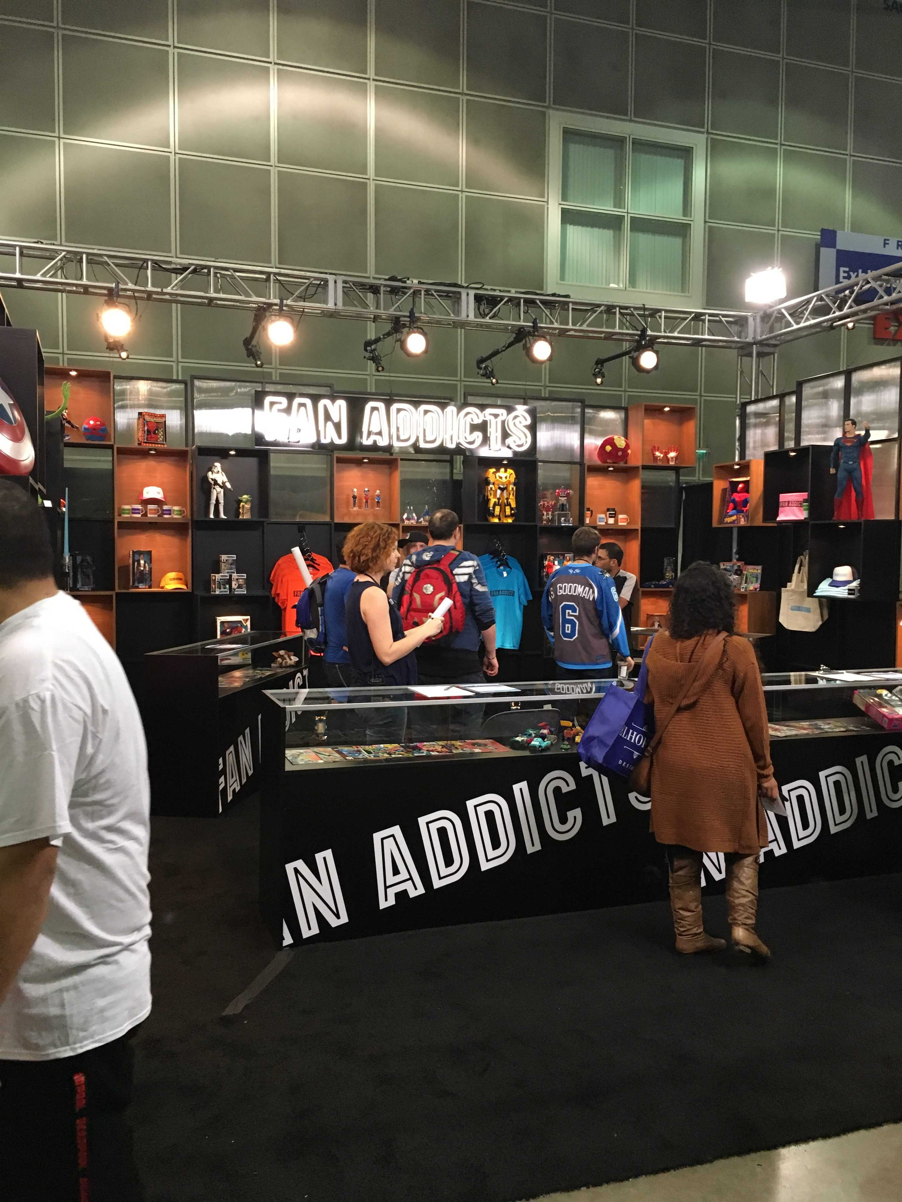 One booth selling merchandise is shown at comic con