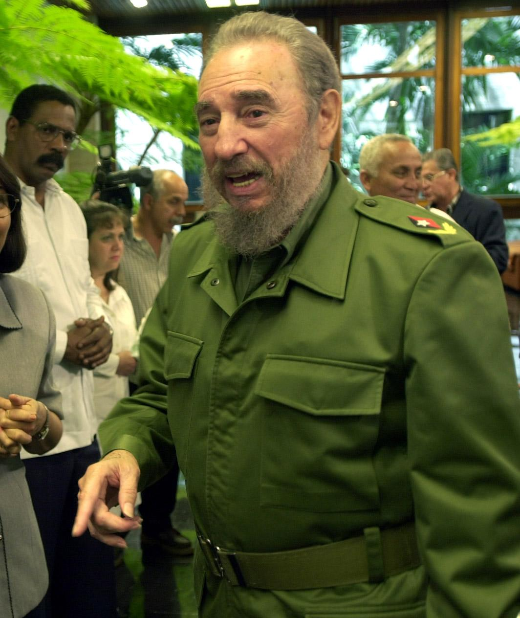 Fidel+Castro+responds+to+questions+from+members+of+a+Tribune+delegation+visiting+the+commander-in-chief+at+the+Palacio+de+la+Revoluci%C3%B3n+in+Havana%2C+Cuba%2C+March+16%2C+2001.+Castro+reportedly+died+on+Friday%2C+Nov.+25%2C+2016%2C+at+90.+%28Alex+Garica%2FChicago+Tribune%2FTNS%29