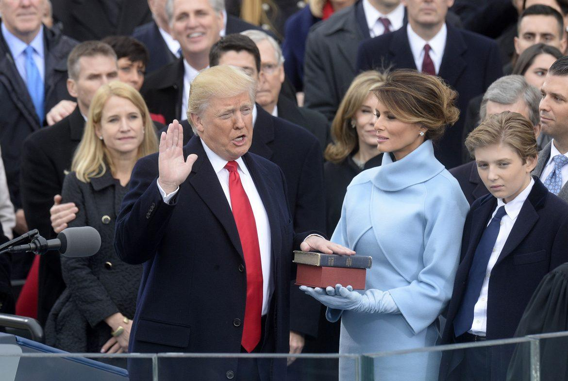 Chief+Justice+of+the+United+States+John+G.+Roberts%2C+Jr.+administers+the+oath+of+office+to+President+Donald+Trump+during+the+58th+Presidential+Inauguration+on+Jan.+20%2C+2017+in+Washington%2C+D.C.+%28Olivier+Douliery%2FAbaca+Press%2FTNS%29