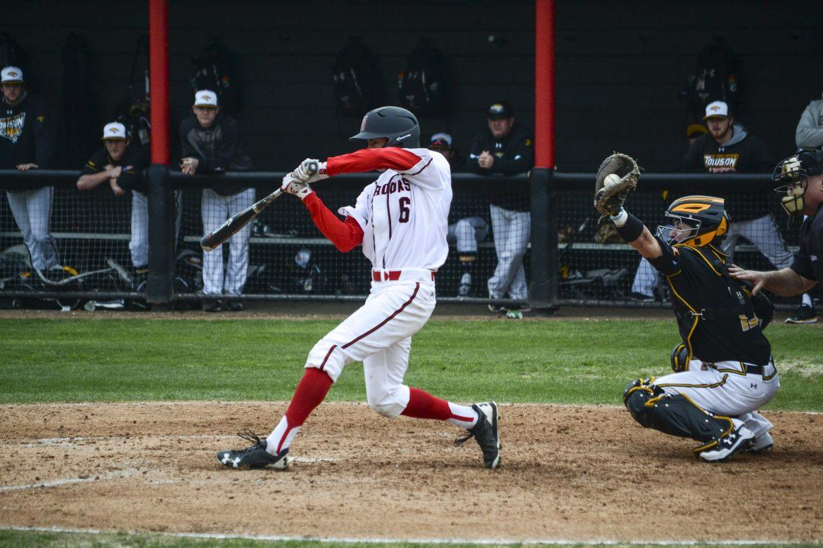 Matadors+right+fielder+Elias+Orona+strikes+out+in+the+second+game+of+Saturday%E2%80%99s+doubleheader.++Photo+Credit%3A+Tomas+Rodriguez%2FThe+Sundial