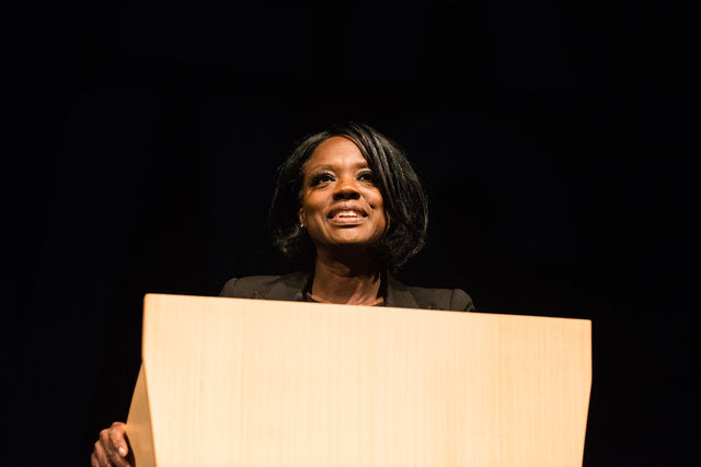 Viola+Davis+smiles+while+presenting+at+VPAC