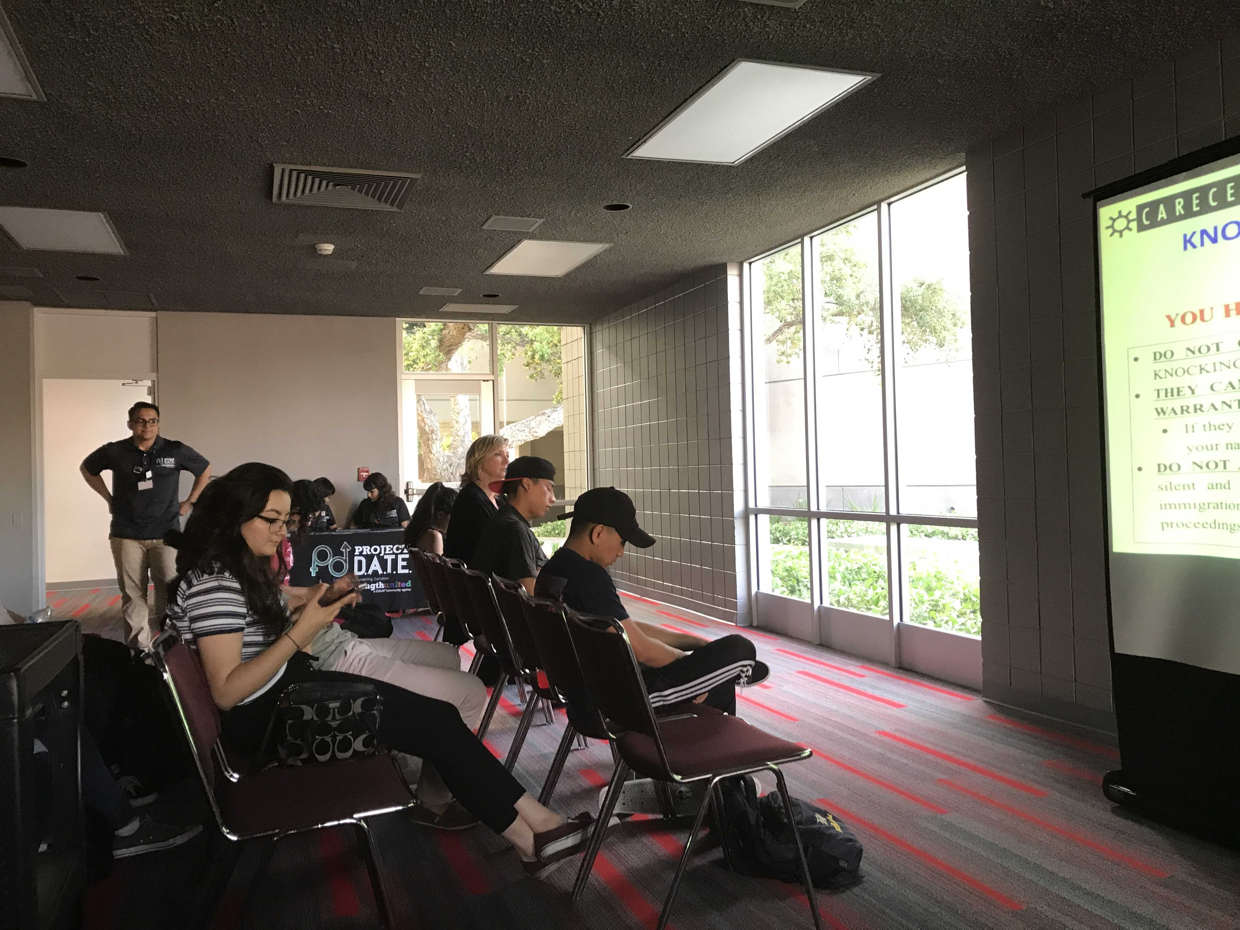 """csun students watch a powerpoint presentation called """"know your rights"""""""