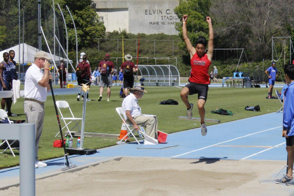 Sophomore+Kurt+Felicitas+takes+a+jump+at+the+%0AMen%27s+Long+Jump+competition+at+UCLA.+Photo+Credit%3A+Elijah+Carr%2FThe+Sundial