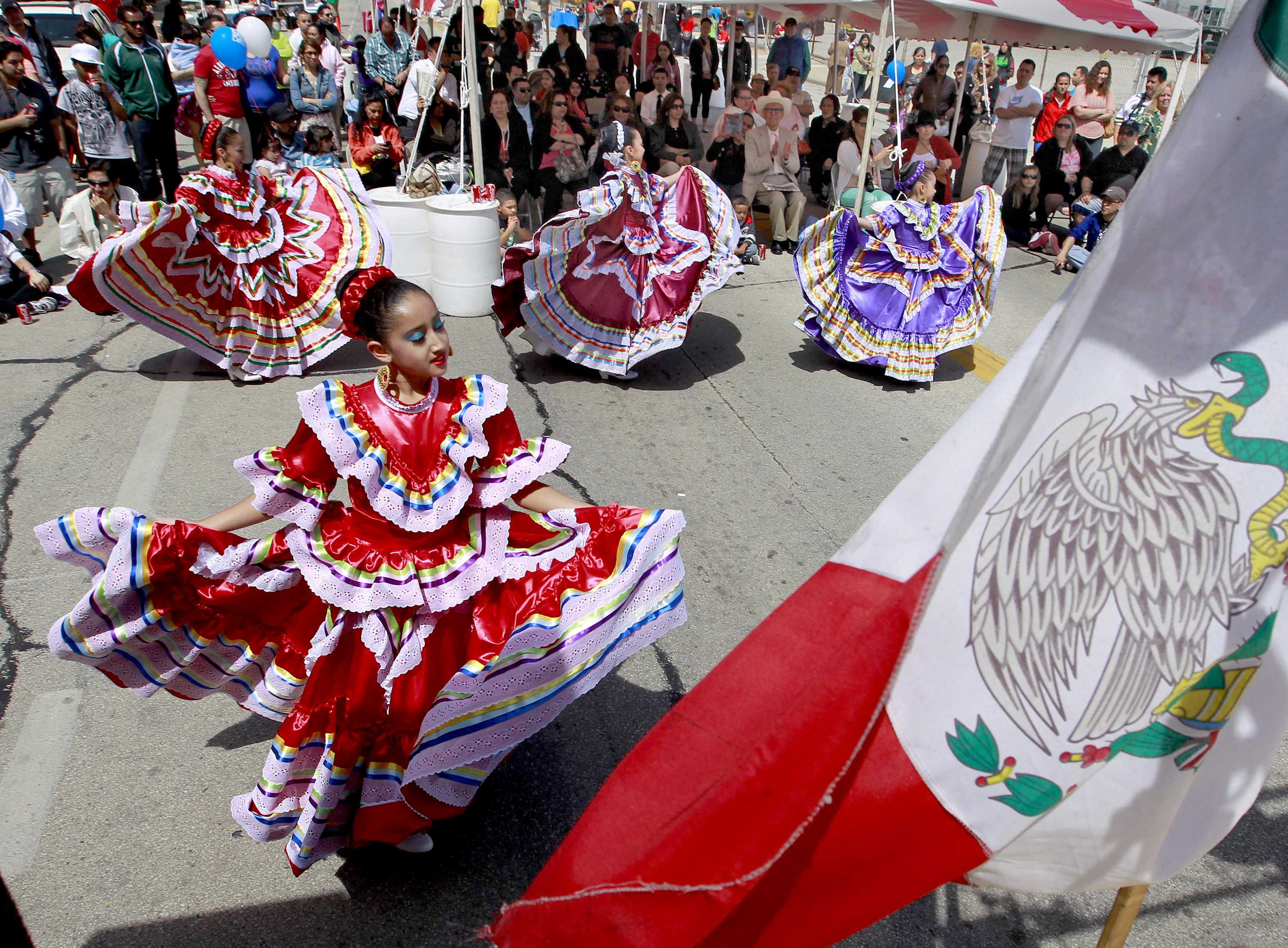 Members of Dance Academy of Mexico perform during Cinco de Mayo celebrations in Milwaukee, Wisconsin, Sunday, May 5, 2013. (Rick Wood/Milwaukee Journal Sentinel/MCT)