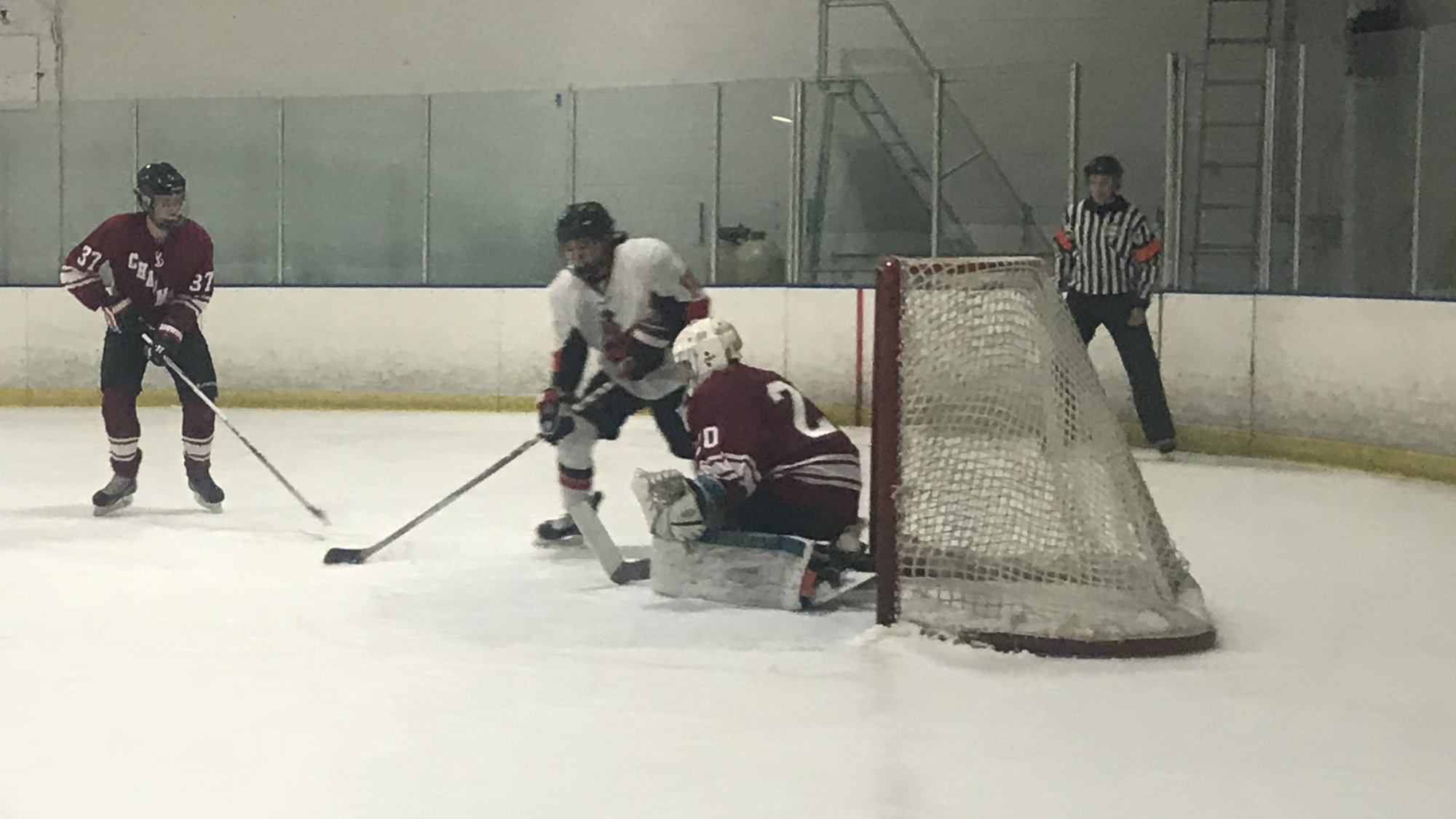 Tommy Pang (11) walks in front of the net and scores for CSUN Friday night at the Iceoplex in Simi Valley. Photo credit: Solomon Ladvienka