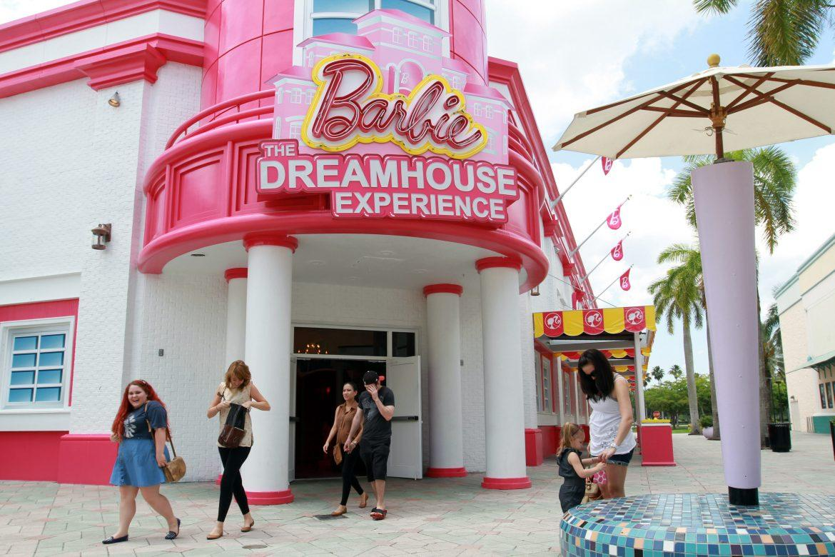 Barbie+the+Dream+House+Experience+storefront