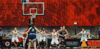 CSUN forms defensive wall during womans basketball game