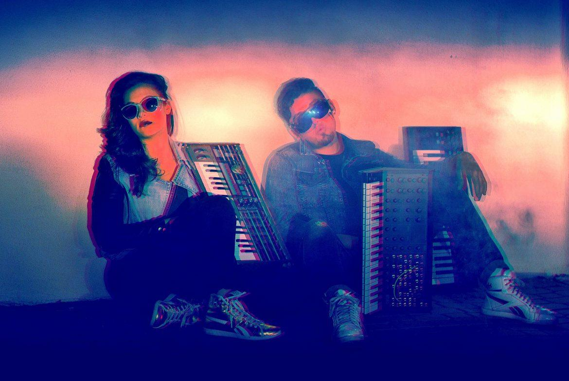 retro+photo+of+two+people+siting+in+the+floor+with+keyboards