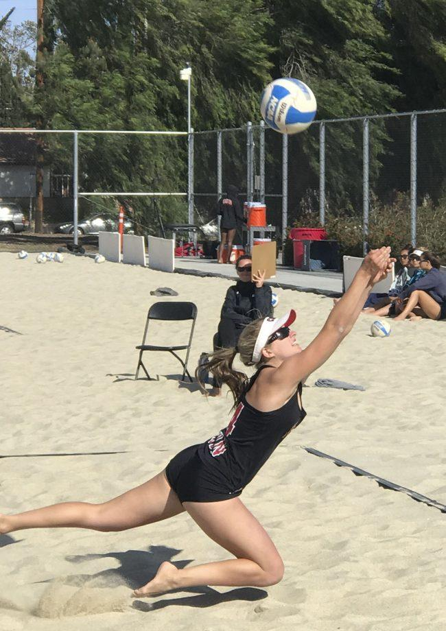 Beach volleyball splits in the Sandpit
