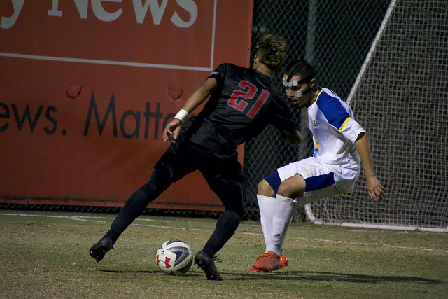 Men's soccer answers in must-win game; earns home seed in Big West Tournament