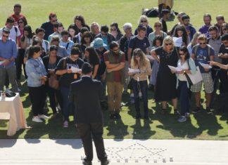 students on oviatt lawn