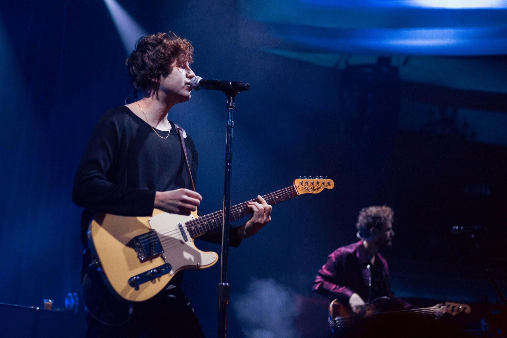 Kooks frontman Luke Pritchard at The Hollywood Palladium on Wednesday, Feb. 12. Their tour will continue across the U.S. until the beginning of March. Photo credit: Joshua Pacheco