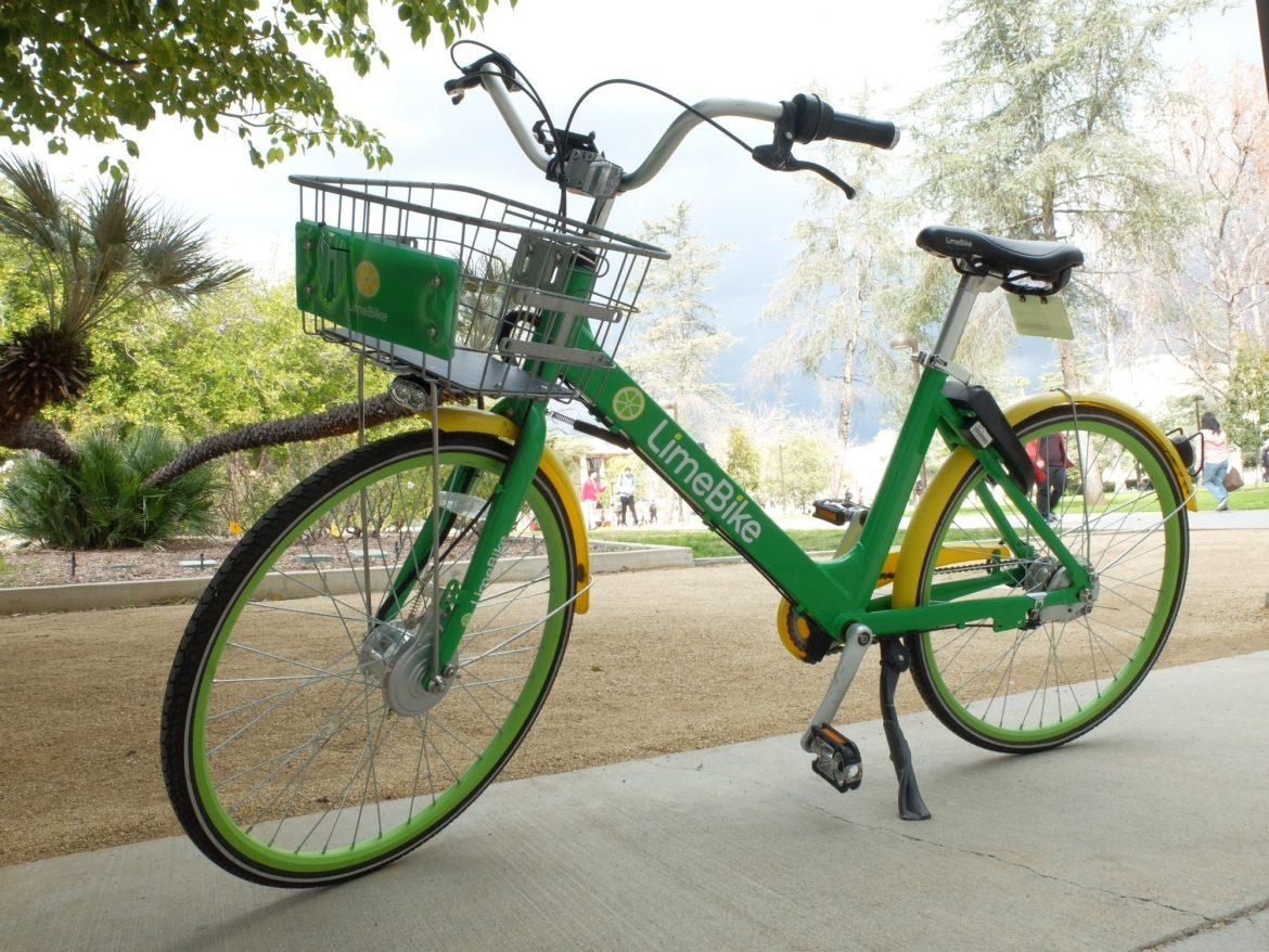 The LimeBike program will be ending on March 19 after being avalible for 13 months. Photo credit: Emmanuelle Roumain