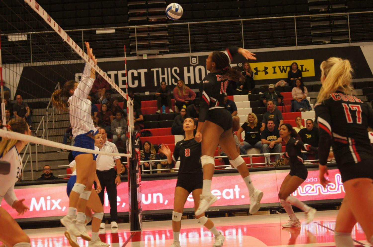 Sophomore outside hitter Morgan Salone (10) attempts to get a kill for the Matadors against UC Riverside on Nov. 2. Photo credit: Bryanna Winner